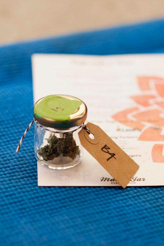 marijuana-and-yoga